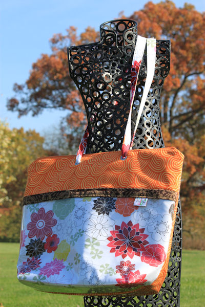 Zippered Vital Tote in Aromatherapy