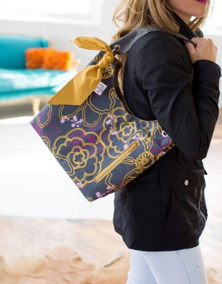 Sachet Bag in Graphic Blooms with Gold