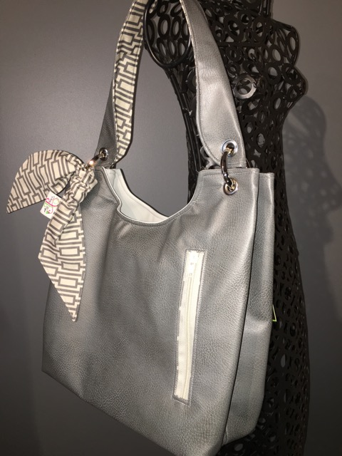 Small Sachet Bag in Grey imitation leather