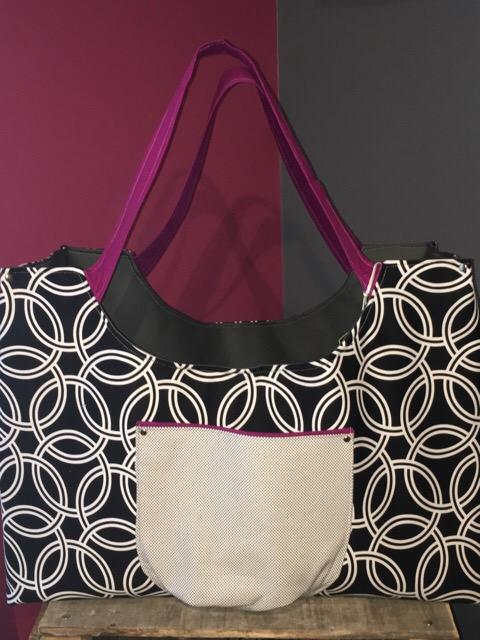 Colossal  Bag in black rings
