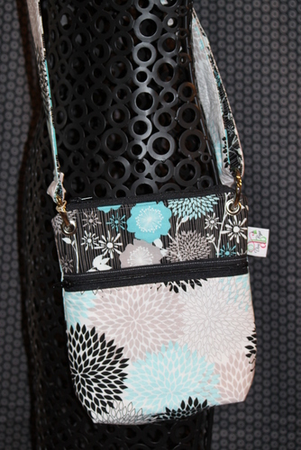 Small Messenger in Andrea Victoria Aqua flower