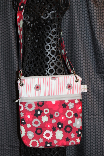 Large Zippered Messenger in Flowerfall ruby