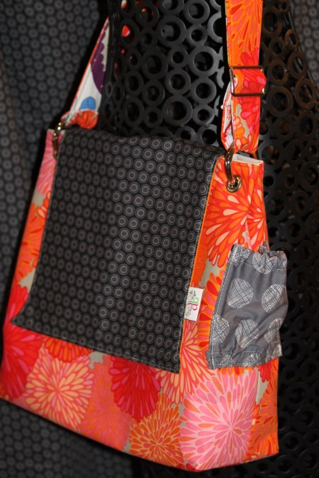 Stella Bag in black Oval Elements