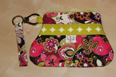 Out n About Wristlet in Fuchsia floral