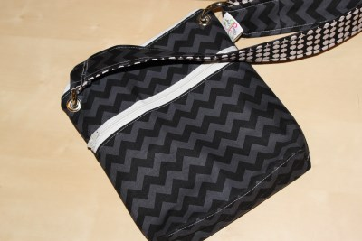 Small Messenger in Black Chevron