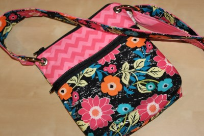 Small messenger in Jungle Ave. with pink Chevron