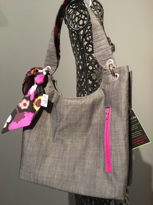 Sachet Bag in Wicked with Fuschia zip