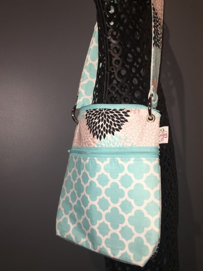 Large Messenger in Blue Quatrefoil