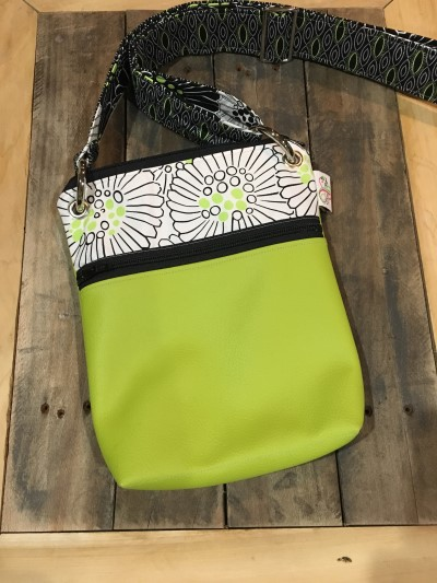 Small Messenger in Lime Vinyl