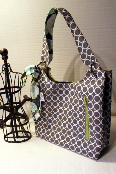 Small Sachet Bag in Grey Metro Living