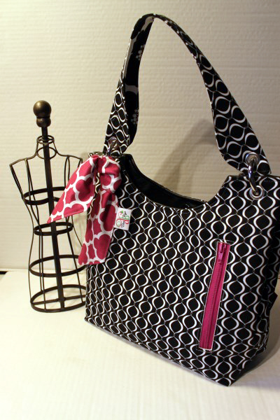 Small Sachet Bag in Black Metro Living tile