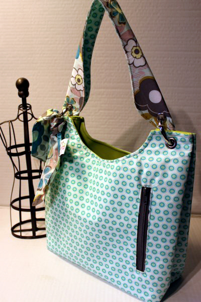 Small Sachet Bag in Teal Oval Elements