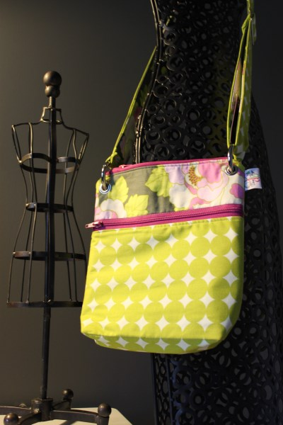 Small Messenger in Lime Floral