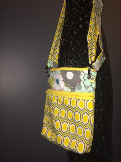 Small Messenger in Stenciled Retro Yellow