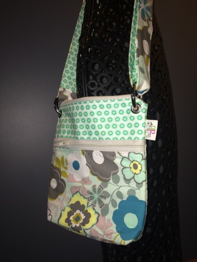 Small Messenger in Oval Elements Teal