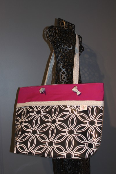 Vital Tote in White Rings