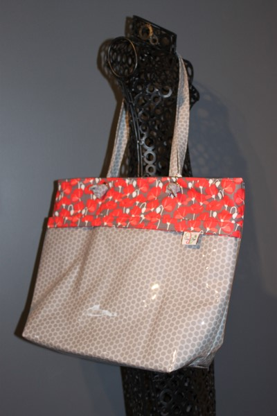 Vital Tote in Grey Dots