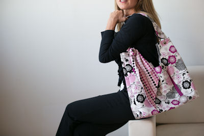 Sachet Bag in Andrea Victoria Main Fuchsia
