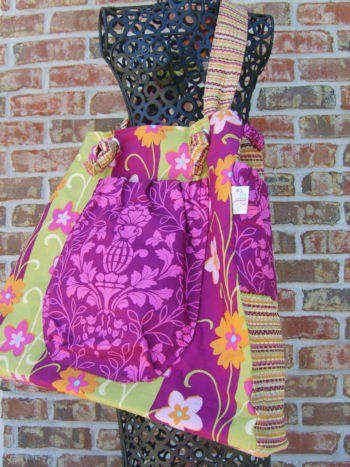 Colossal Bag in City Bloom
